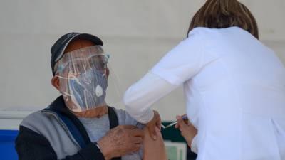 Así fue el primer día de la vacunación contra COVID en la CDMX