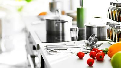 COVID-19 impulsa ventas de artículos para las cocinas a niveles récord