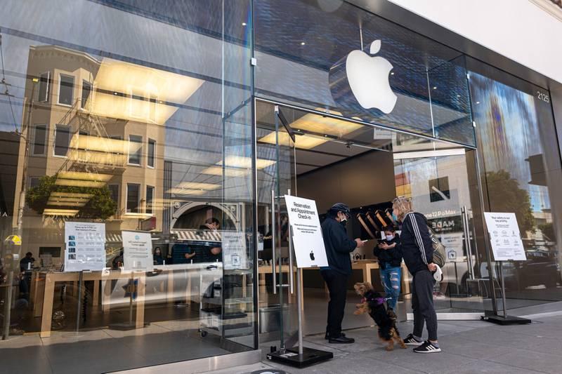 UE acusa a Apple de violar normas antimonopolio en servicios de música tras queja de Spotify
