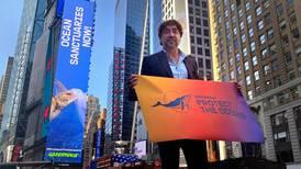 Javier Bardem y Greenpeace piden a la ONU proteger los océanos del colapso