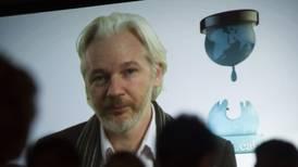 ¿Por qué López Obrador quiere darle asilo político a Julian Assange?