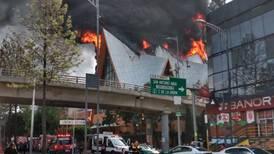 Se incendia iglesia en la colonia Jardín Balbuena; Bomberos controlan el incidente