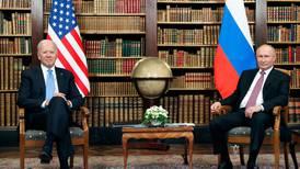 """Biden y Putin prevén """"consultas"""" sobre pacto nuclear"""