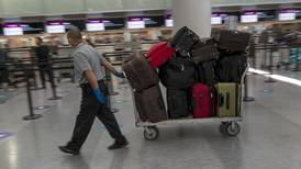 Profeco advierte a aerolíneas que cobro de equipaje de mano es ilegal: 'Se están pasando de rosca'