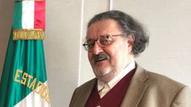 Cesan a agregado cultural en España; Cancillería lo acusa de misógino