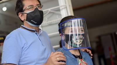 Vacunación COVID para menores con enfermedades crónicas: registro iniciará en octubre