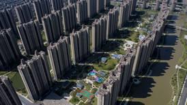 China 'rompe el hielo' sobre Evergrande: 'riesgo de deuda es controlable'