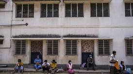 Fiebre por virus 'misterioso' provoca la muerte de 33 niños y 7 adultos en India