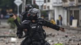 Anonymous se atribuye hackeo a página del Ejército colombiano