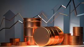 Petróleo se 'dispara' a 84 dólares por barril, el precio más alto en tres años