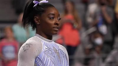 Drama en Tokio: Simone Biles abandona final por equipos de la gimnasia