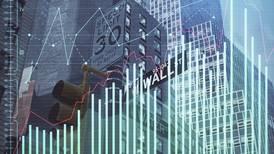 Wall Street retrocede ante presión por inflación y recuperación económica en EU