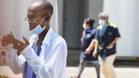 Piden el Nobel para médicos… pero cubanos