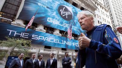 ¡Competencia de millonarios! Richard Branson quiere ir al espacio antes que Bezos