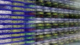 Volatilidad golpea bolsas de México y EU y cierran con bajas