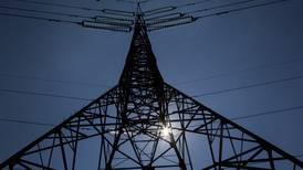 'Orita' no, gracias... a la CRE se le 'resbalan' las solicitudes de nuevos permisos energéticos