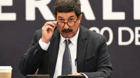 Denuncian a Javier Corral ante la FGR por 'traición a la patria' a horas de dejar el gobierno