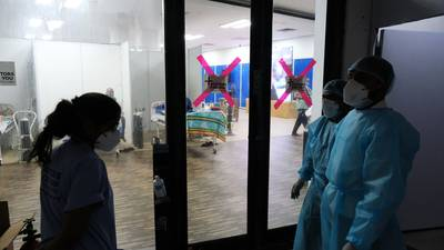 India registra cifra récord mundial de contagios diarios desde que comenzó la pandemia de COVID-19
