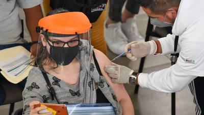 México aplica 511,334 dosis de vacunas COVID; van 30.9 millones en total