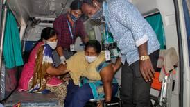 Hallan rastros de plomo y níquel en sangre de pacientes con 'misteriosa enfermedad' en India