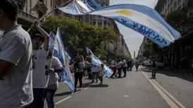 Sindicatos realizan paro contra política de ajustes en Argentina