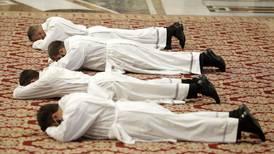 Papa 'exorciza' corrupción: adiós a regalitos caros para miembros del Vaticano