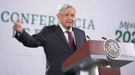 Embajada de EU reparte 'maíz con gorgojo' a intelectuales: López Obrador