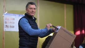 Macri dice que puede resolver los problemas de Argentina, como lo hizo en el club Boca Juniors