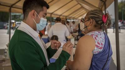 México suma 298,037 dosis aplicadas de vacunas COVID; van 23.1 millones en total