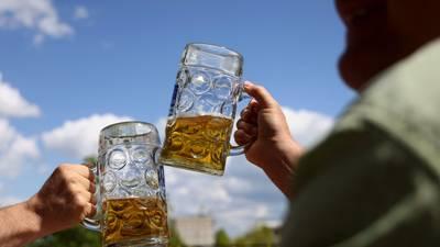 ¡Recétate unas 'cheves'! Estudio sugiere que tomar dos cervezas diarias reduce el riesgo de desarrollar diabetes