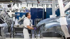 Falta de chips desploma exportación de autos mexicanos a EU en julio