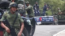 Atacan y queman vehículos de personal de Pemex en Puebla; ya hay 13 detenidos