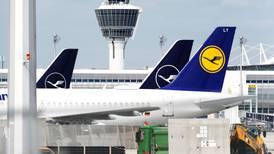 Lufthansa analizará oferta de rescate por 9,800 mdd