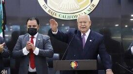 Víctor Castro asume gubernatura de Baja California Sur y pone fin a 10 años de gobierno panista