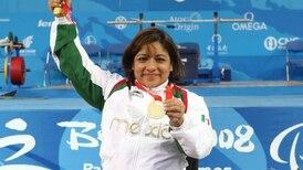¡Medalla de oro para México! Amalia Pérez se la lleva en powerlifting