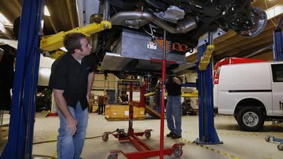 Gobierno advierte terminación de contrato colectivo en General Motors si gremio incumple