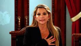 Fiscalía de Bolivia emite orden de captura contra la expresidenta Jeanine Áñez
