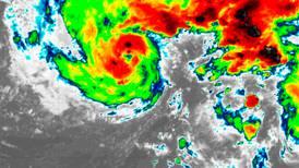 Prevén que tormenta tropical 'Epsilon' alcance fuerza de huracán en los próximos días