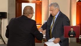 AMLO recibe carta de padres de Mario Aburto en la que piden reabrir el caso Colosio