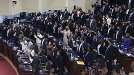 Nueva Asamblea Legislativa de El Salvador destituye a magistrados