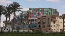 'Y ya se fue': Barco que bloqueaba Canal de Suez está en movimiento