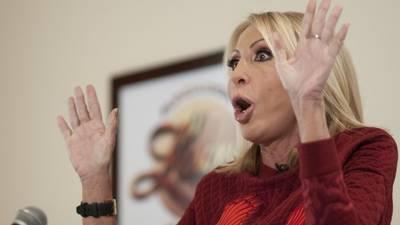 Interpol gira ficha roja contra Laura Bozzo