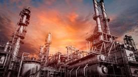 Crece polémica por reforma en hidrocarburos