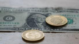 Peso alcanza las 24.89 unidades por dólar en operaciones interbancarias; se deprecia 41 centavos