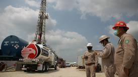 Producción petrolera tiene peor caída en 15 meses por explosión en Sonda de Campeche
