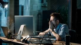 Largas jornadas de trabajo, relacionadas con un gran número de muertes en el mundo: OMS y OIT