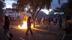 Ecuador apuesta por aumentar beneficios sociales para acabar con protestas
