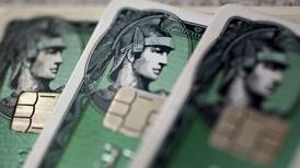 Amazon y American Express 'suben su apuesta' y lanzan tarjeta para Pymes