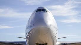 Otro Boeing en problemas: Avión realiza aterrizaje de emergencia en Moscú por problema en motor