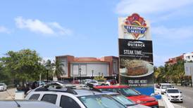 Dice 'adiós' la plaza que albergó a Planet Hollywood y Bubba Gump en Cancún